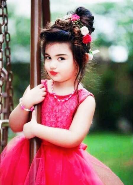 Cute Girl DP Image