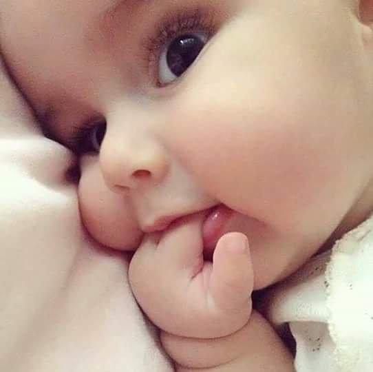 Baby Face WhatsApp DP